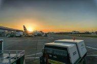 zachód słońca nad lotniskiem